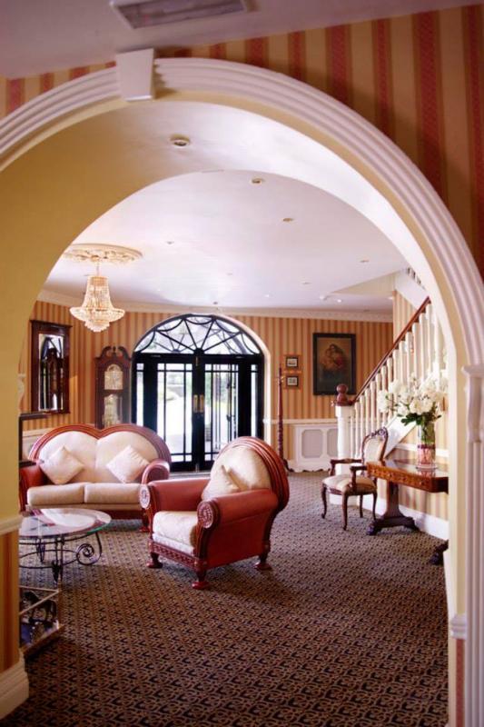 Lansdowne Arms Hotel Image 2