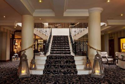 Ashdown Park Hotel - image 2