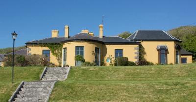Ballinalacken Castle Hotel - image 1