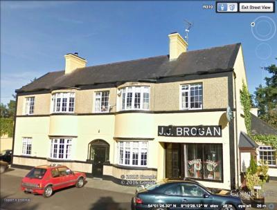 Brougan's Lounge Bar - image 1