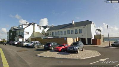 Burke's Armada Hotel - image 1