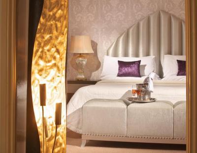 Castle Hotel - image 1