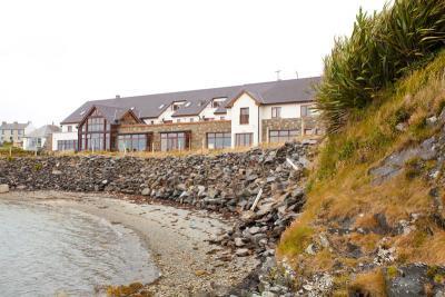 Day's Inishbofin House Hotel - image 1