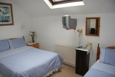 Elliffe Accommodation / Town House Hotel - image 3