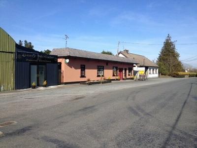 Glenview Lounge - image 1