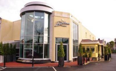 Leopardstown Inn - image 1