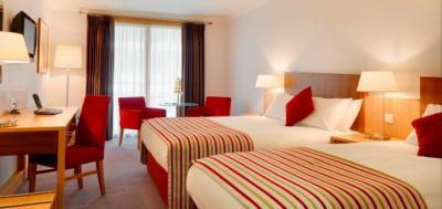 Maldron Hotel Cardiff Lane - image 3