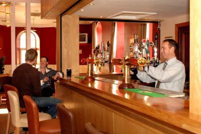 Maldron Hotel Cork - image 2
