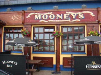Mooney's Bar - image 1