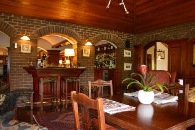 The Cedar Lodge Hotel - image 2