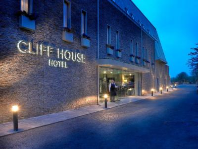 The Cliff House Hotel - image 1