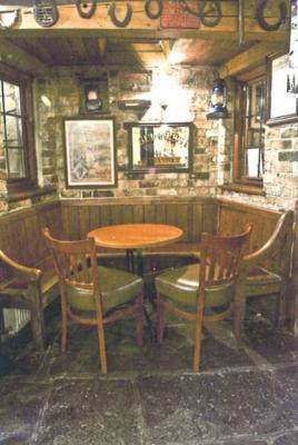 The Horse Shoe Inn - image 2