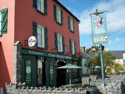 The Irish Arms Hotel - image 1