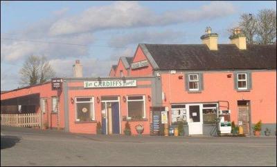 The Lakeside Tavern - image 1