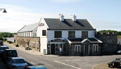 The Towers Bar And Restaurant - image 1
