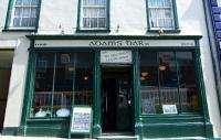 Adams Bar & Restaurant - image 1