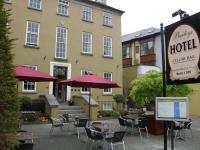 Baileys Hotel Cashel - image 1