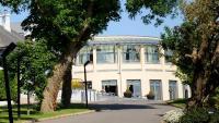 Ballyroe Heights Hotel - image 1