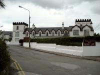 Butler Arms Hotel - image 1