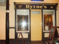 Byrnes Bar & Lounge, Oakwood Inn - image 1