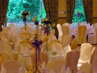 Castle Arms Hotel - image 2