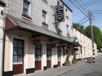 Cawleys Hotel - image 1