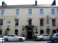 Greville Arms Hotel - image 1