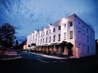 Hampton Hotel - image 1
