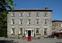 Leixlip House Hotel - image 1