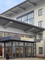 Maldron Hotel Midway - image 1
