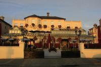 Martello Hotel - image 1