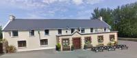 The Oak Tree Inn - image 1