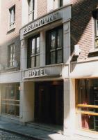 Paramount Hotel - image 1