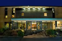 South Court Hotel - image 1