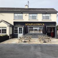 Stapletons Bar - image 1