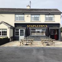 Stapletons Bar - image 1