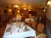 Templemore Arms Hotel - image 3