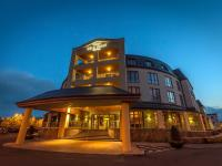 The Carlton Hotel - image 1