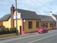 The Carnaross Inn - image 1