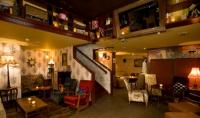Town House Bar And Restaurant - image 2