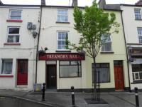 Treanors Bar - image 1